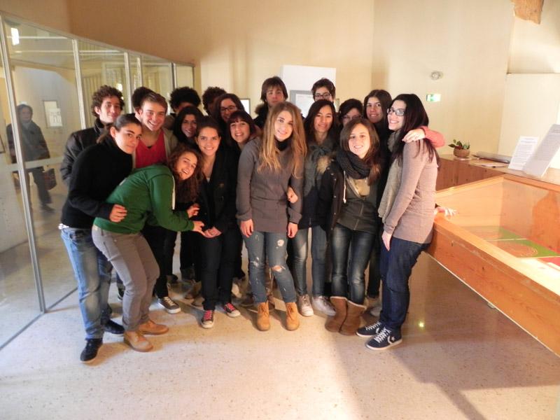 Studenti della IVB del 'Medi' nella sezione napoleonica della mostra sul Risorgimento
