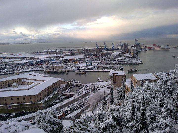 Ancona sotto la neve