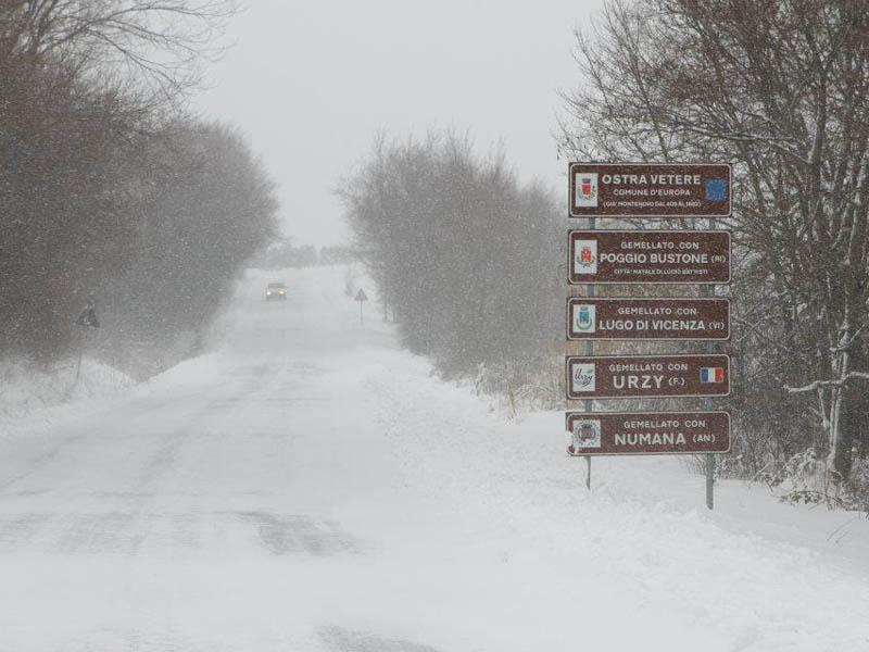 Neve ad Ostra Vetere. Foto di Antonio Moroni