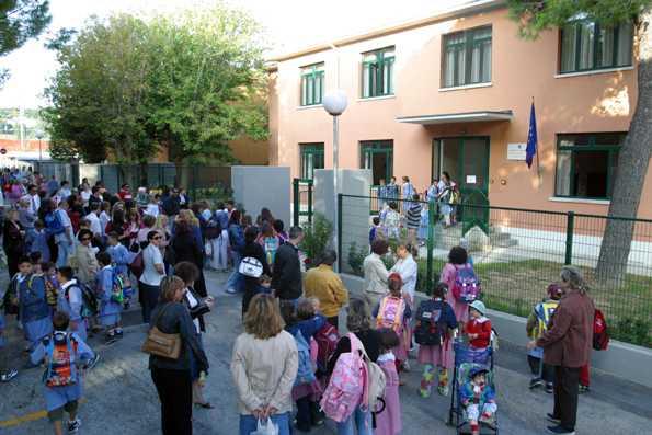 Ingresso dei bambini a scuola