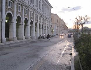 Portici Ercolani di Senigallia, tra piazza Manni e corso II Giugno