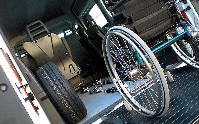 Mezzo per il trasporto di disabili