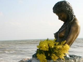 La Penelope di Senigallia augura buona Festa della Donna