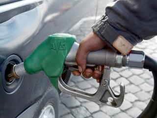 Rifornimento di carburanti, prezzo, benzina, diesel, gasolio