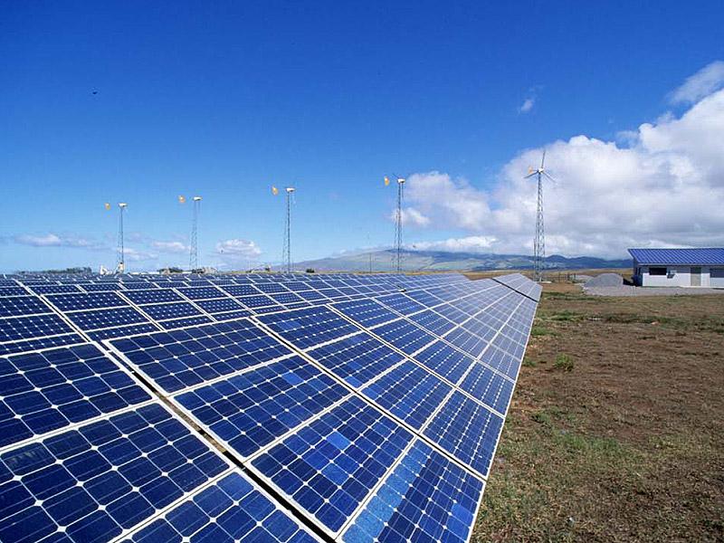 Fonti di energia rinnovabili: pannelli solari, pale eoliche