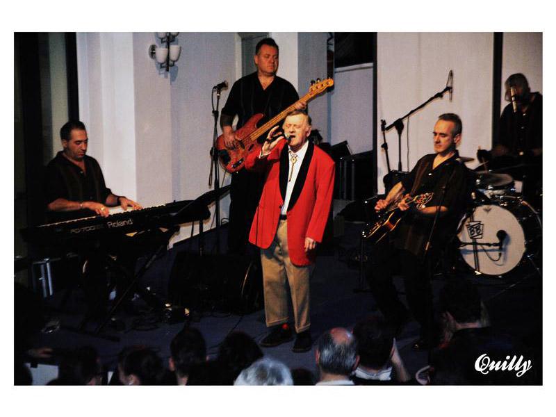 """Wee Willie Harris e i The Good Fellas alla Roptonda di Senigallia. Foto di Simone """"Quilly"""" Tranquilli"""