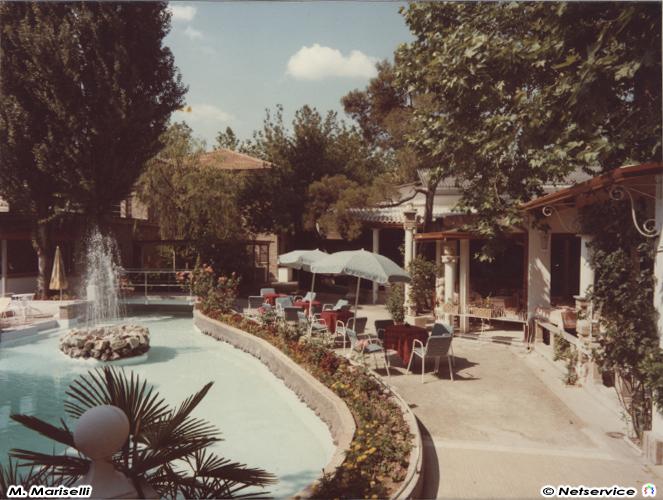 La piscina di Villa Sorriso a Senigallia durante gli anni '60-70