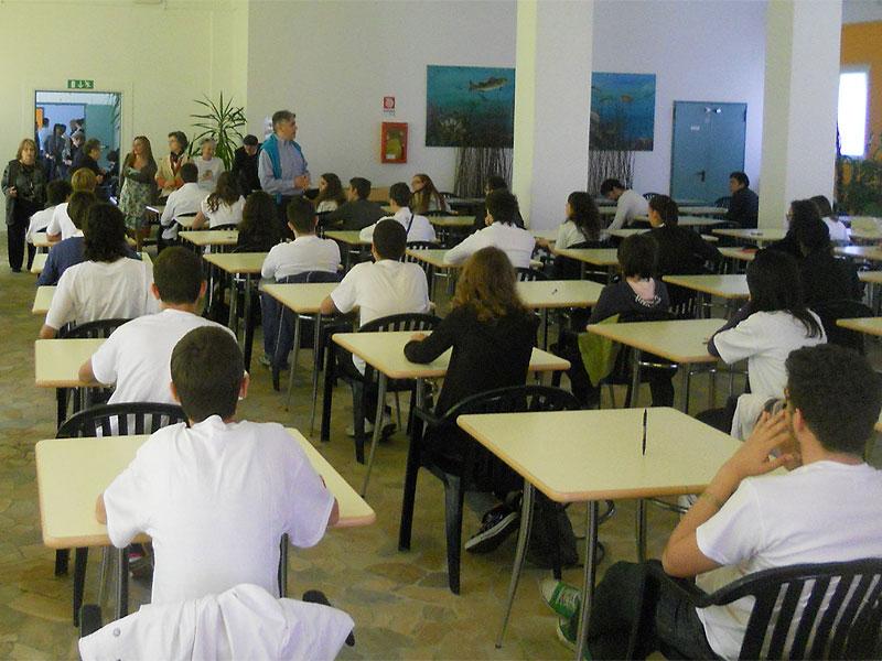 Aula scolastica prima di un esame
