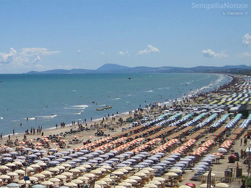 La spiaggia di Senigallia. Foto di Luca Ceccacci per Senigallia Notizie. Tutti i diritti riservati.