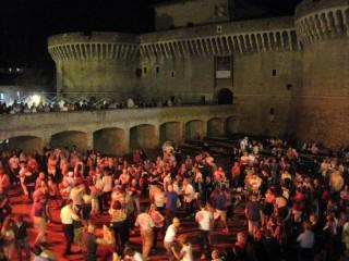 Summer Jamboree: balli scatenati sul parterre della Rocca roveresca di Senigallia