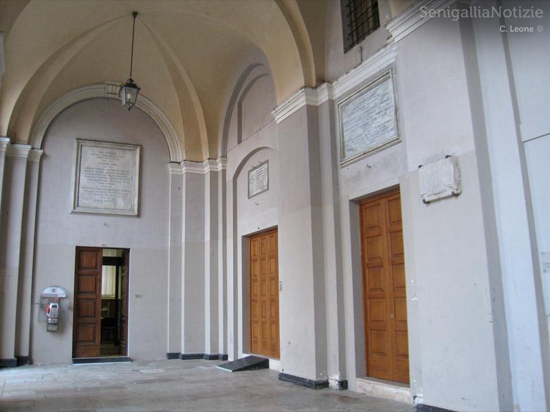 Comune di Senigallia, uffici al piano terra del Municipio