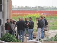 Polizia e Carabinieri dialogano con gli operai che protestano