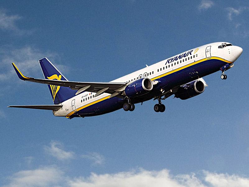 Ryanair: jet in volo
