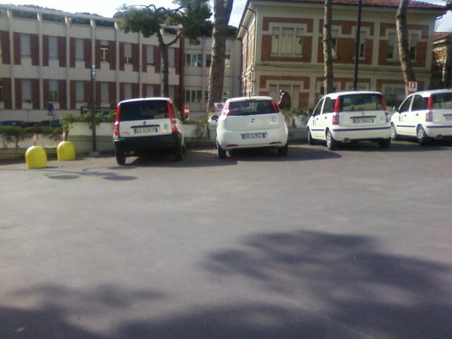 Auto dell'Asur Area Vasta n2