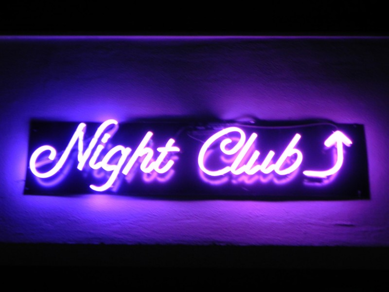 Insegna night club