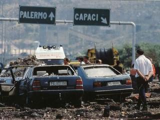 La strage di Capaci il 23 maggio 1992