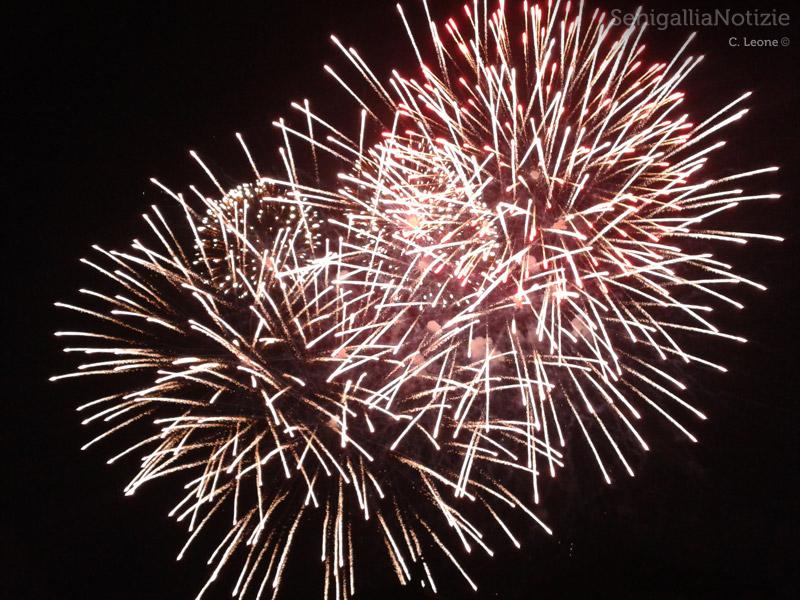 Fuochi d'artificio per la prima edizione del Senigallia Fireworks Festival