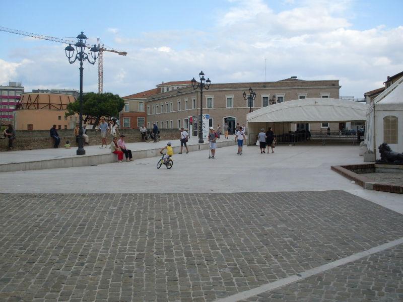 Piazza Del Duca semivuota durante Italia-Spagna