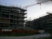 Il cantiere occupato alla Cesanella di Senigallia: striscioni