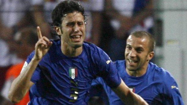 Fabio Grosso dopo l'1-0 nel 2006