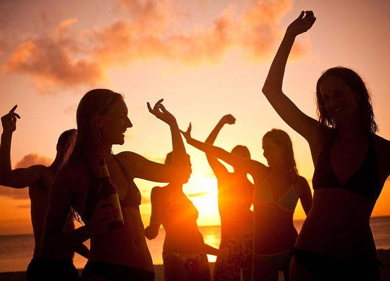 Il viaggio a ibiza in cerca di musica divertimento e mare - Pagine di ringraziamento e divertimento ...