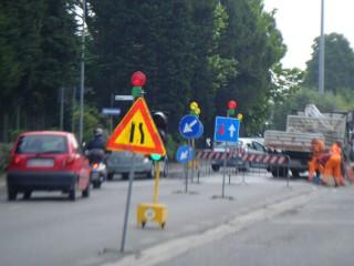 Lavori stradali con semaforo mobile