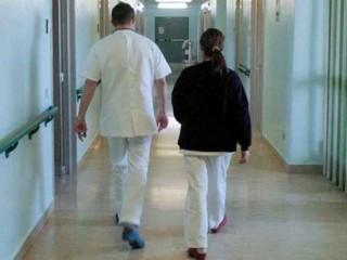Infermieri, personale medico, cure mediche, ospedale