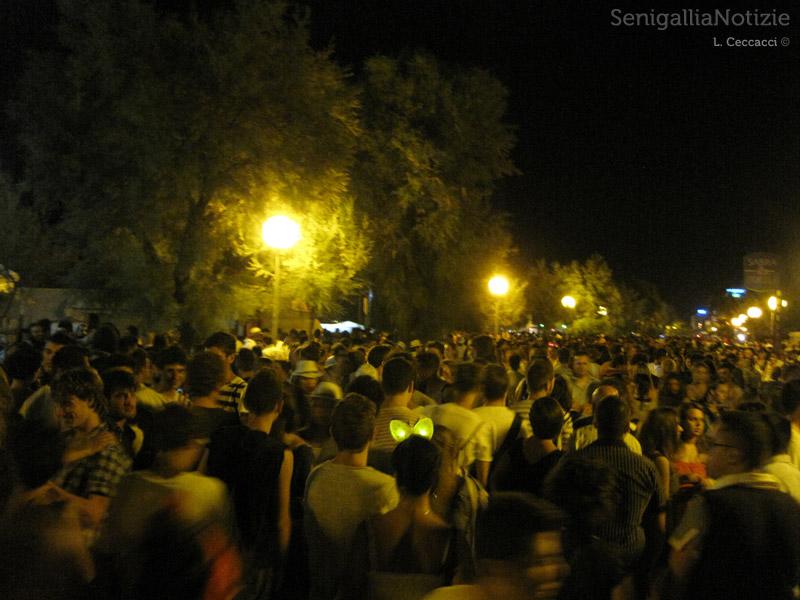 Notte della Rotonda 2012: lungomare invaso dalla gente
