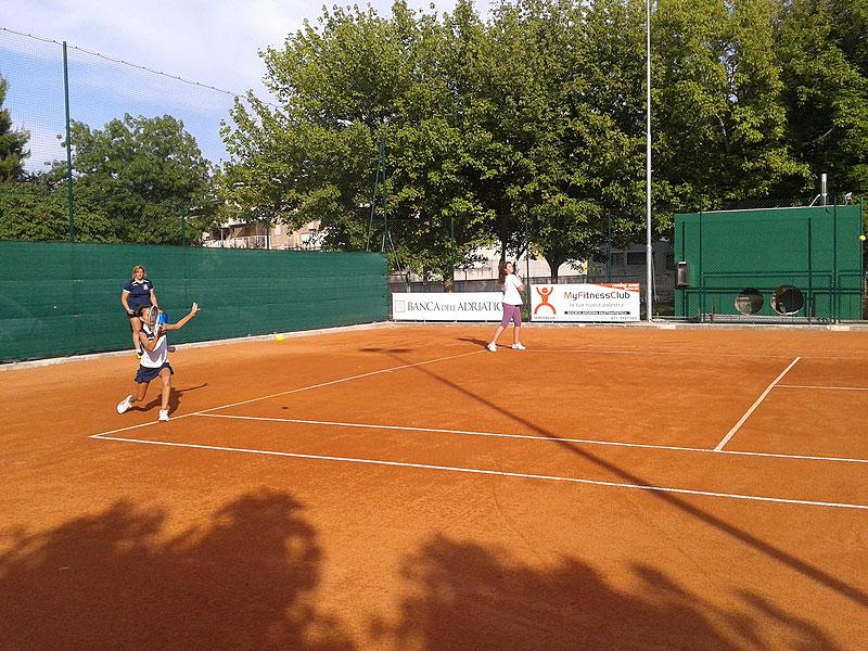 Il campo da tennis del Vivere verde a Senigallia