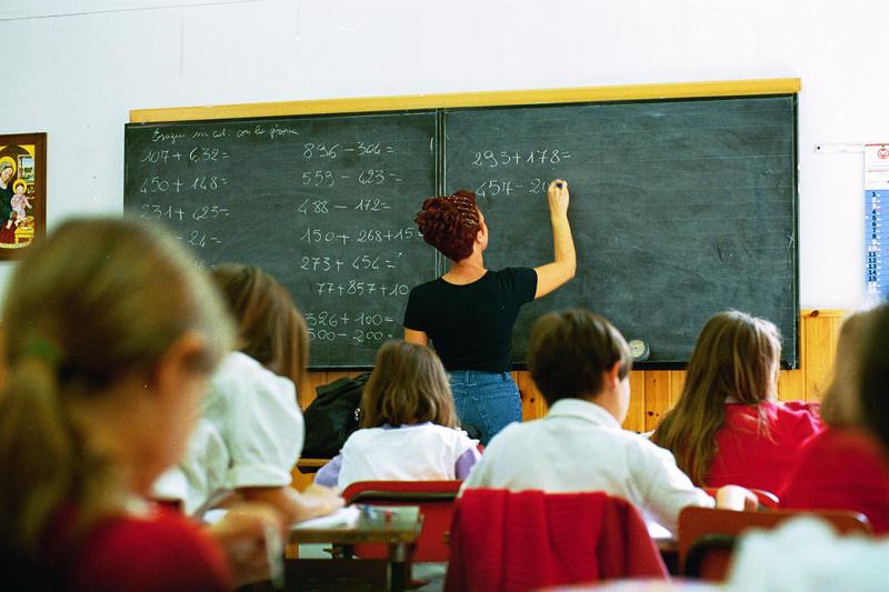 Insegnanti, scuole, scuola, banchi, alunni, studenti,