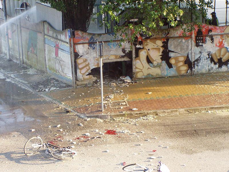La scena dopo l'esplosione alle Saline nel 2007