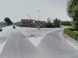Senigallia, piazzale Michelangelo nel quartiere Cesanella