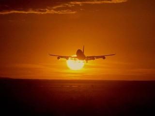 Aereo in partenza, viaggio, decollo