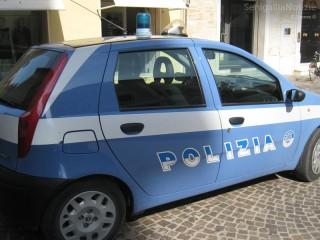 Auto della Polizia a Senigallia. Foto di Carlo Leone