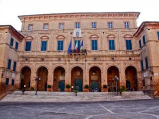 Il palazzo municipale di Ostra