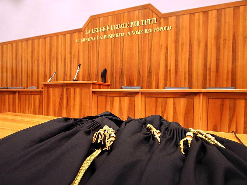 toghe, giudici, udienza, tribunale, processo