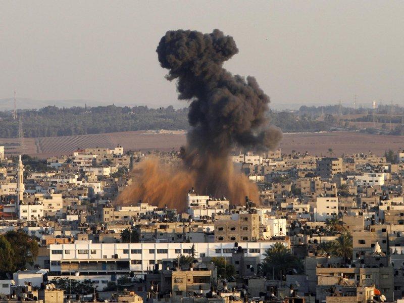 Bombardamenti su Gaza