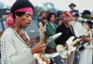 Jimi Hendrix live sul palco di Woodstock