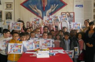 I bambini delle scuole primarie di Arcevia ricevuti dall'Avis locale