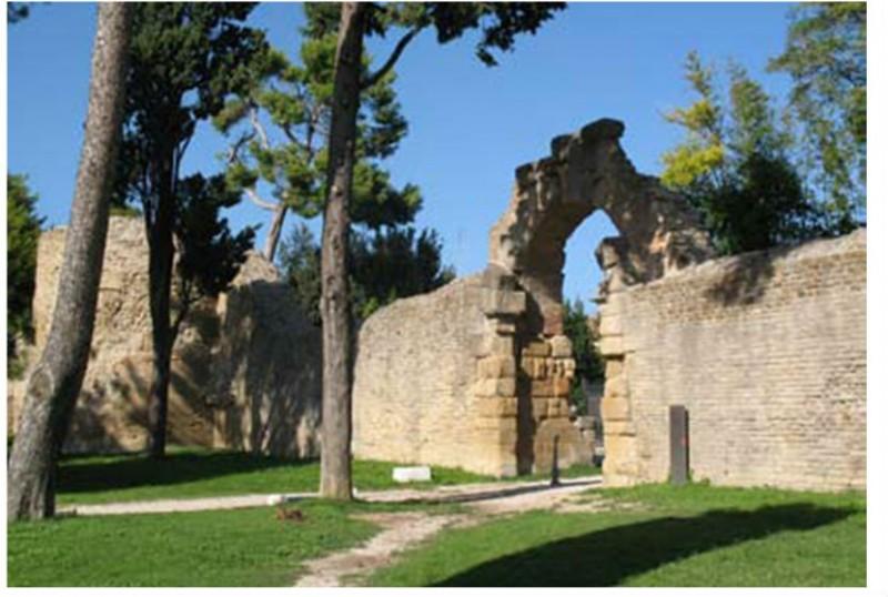 """Resti di mura, colonie romane: ciclo di lezioni sull'Archeologia """"nostrana"""""""