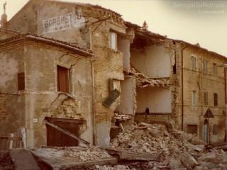 Foto della frana Barducci, che avvenne ad Ancona il 13 dicembre 1982. Foto di Omar Abbondanza