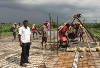 La scuola di Don Alex in costruzione in India