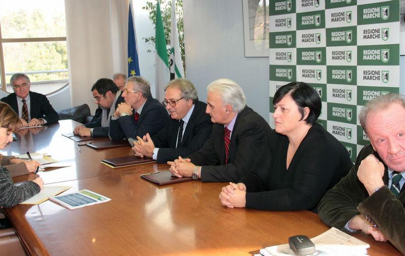 Giunta Regionale, Confindustria, CNA, Confartigianato e le imprese firmano l'accordo per il rilancio economico nel 2013