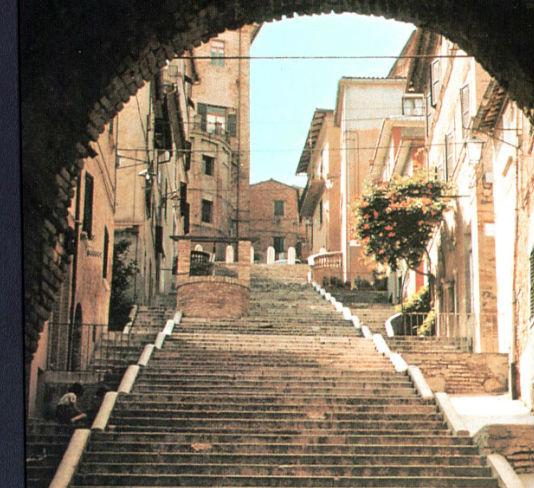La scalinata di Corinaldo