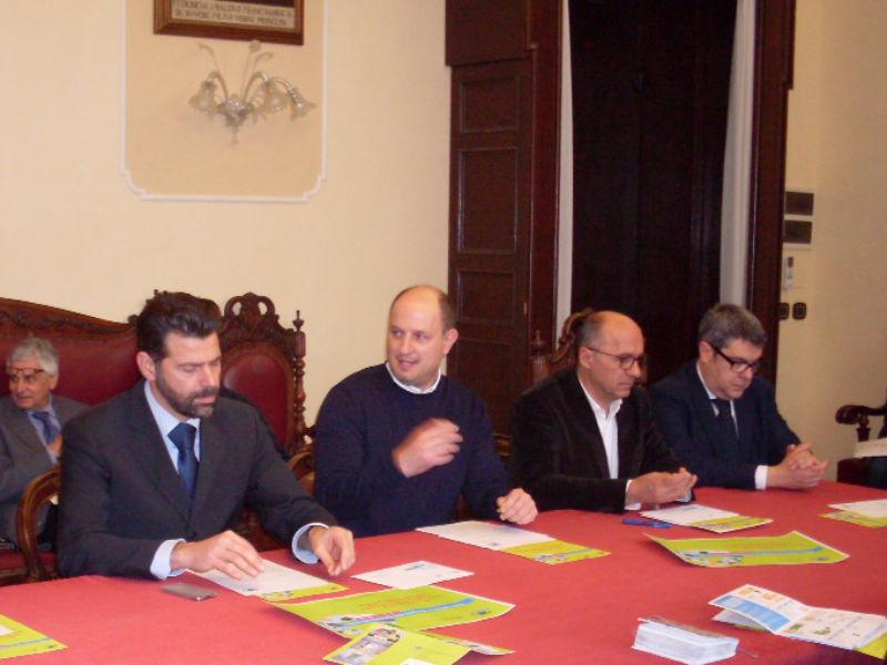 Mangialardi, Cecchettini e alcuni dei sindaci interessati dal servizio Rieco
