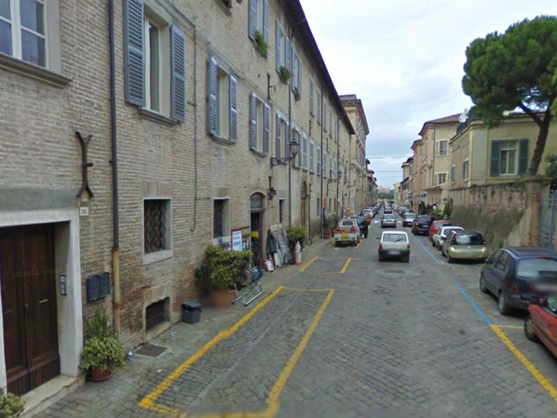 Via Pisacane, a Senigallia