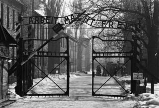 Il cancello del campo di Auschwitz