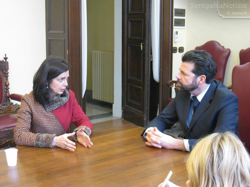 L'ex portavoce Onu per i rifugiati Laura Boldrini incontra il sindaco di Senigallia