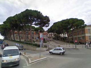 L'ospedale civico di Senigallia, tra via Rossini, via Po, stradone Misa e via Cellini