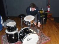 Matteo Fraboni alle prese con l'allestimento del concerto a Senigallia